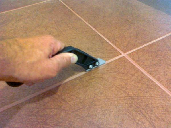 Как обновить затирку между плиткой