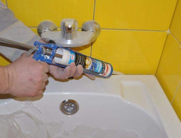 Гидроизоляция стыка ванны со стеной