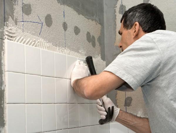 Как выложить плиткой ванную комнату своими руками