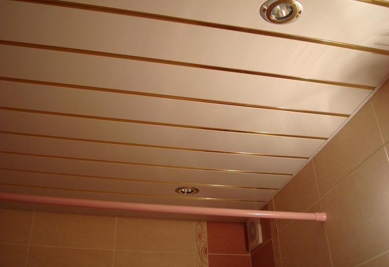 Потолок в ваной своими руками