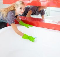 Обновить эмаль ванны своими руками фото 13