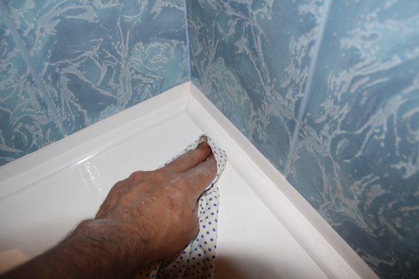 Удаление лишнего герметика