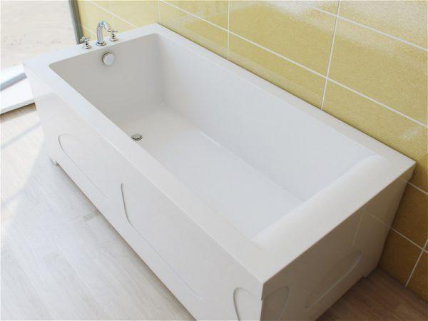 Литьевая акриловая ванна