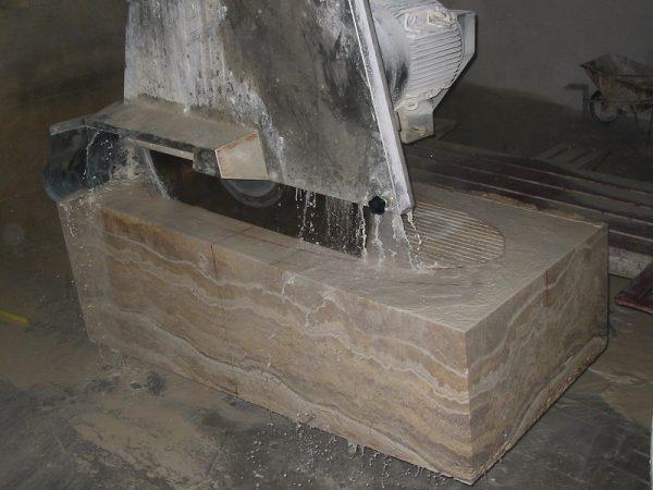 Изготовление ванны из цельного куска мрамора
