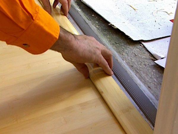 Установка деревянного порожка