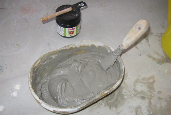 Как приклеить отвалившуюся плитку в ванной