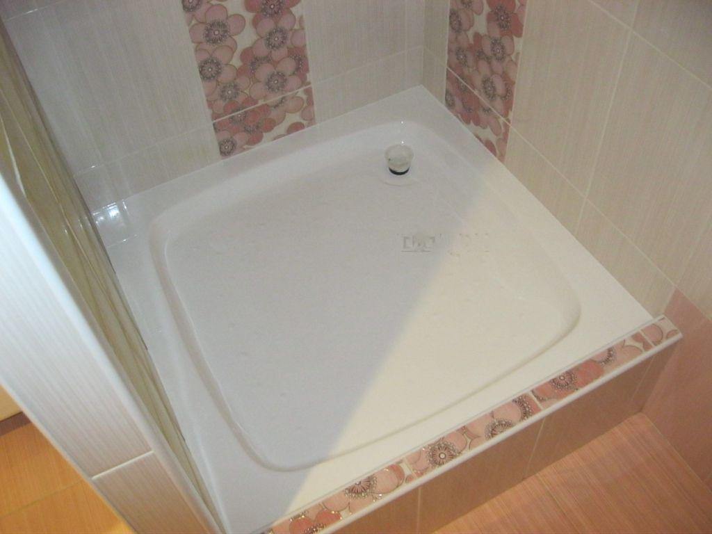 Дизайн маленькой ванной с поддоном для душа