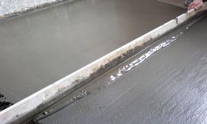 Стяжка пола в ванной под плитку — виды и монтаж