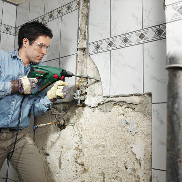 Демонтаж плитки перфоратором — наиболее быстрый вариант