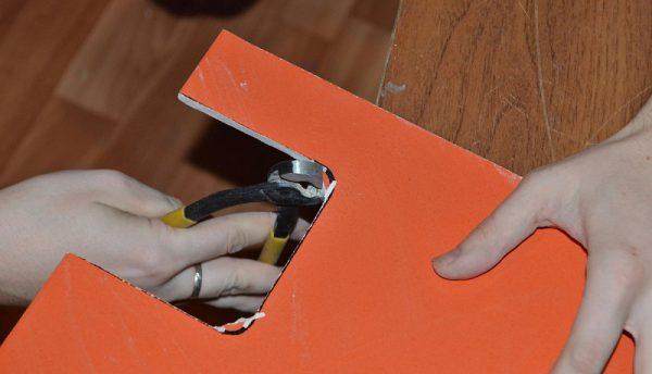 Выламывание элемента плитки