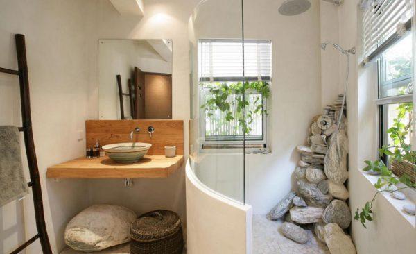 Ванная комната в эко-стиле с душем