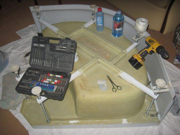 Инструменты для ремонта поддона