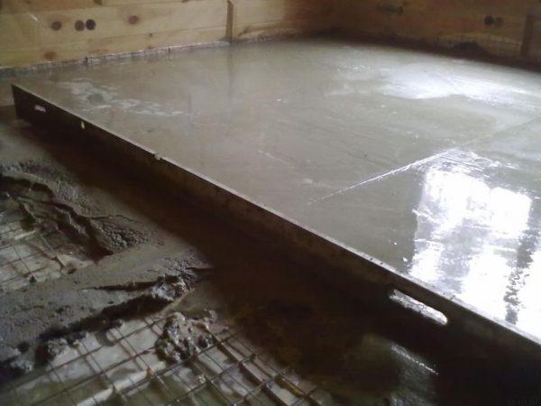 Бетонная стяжка в деревянном доме